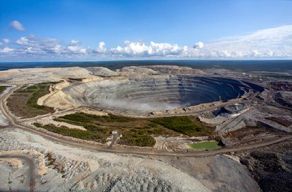 alrosa-opens-russias-largest-diamond-mine