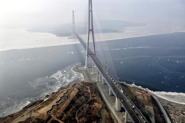 Russia - travel - Vladivostok - russky-bridge-vladivostok-russia-1