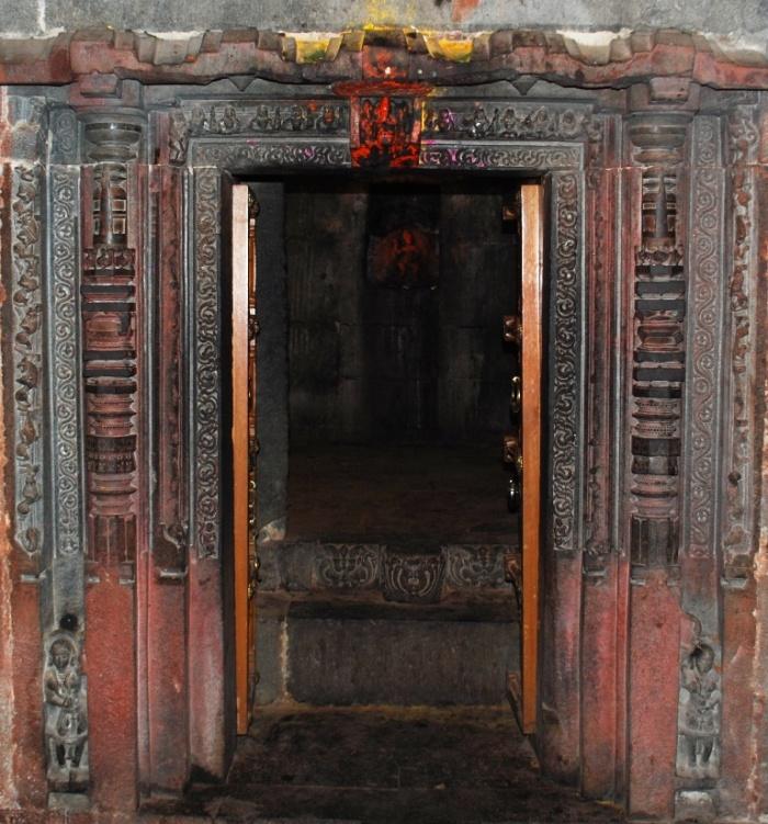 small-doorway-into-temple