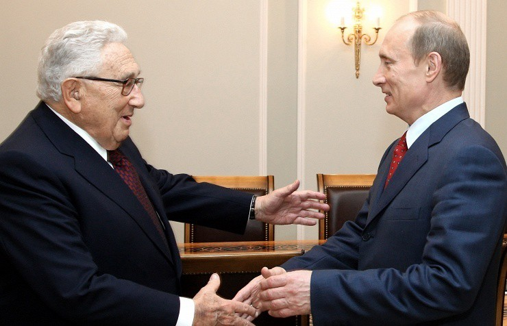 However, there could be yet another explanation for Kissinger's purported plan for a US-Russian détente.