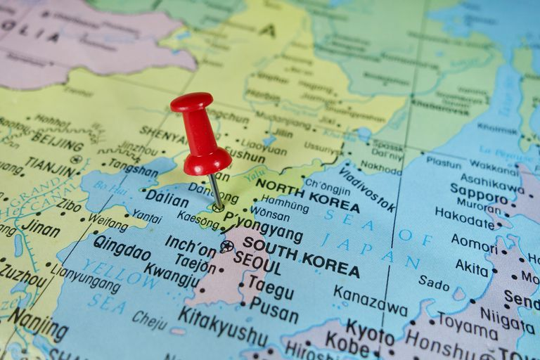 On summit sidelines, China, Japan and Russia mull Koreanchessboard