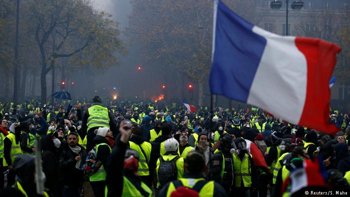 Yellow Vests: No Coincidence Macron, Merkel and May are in DireStraits